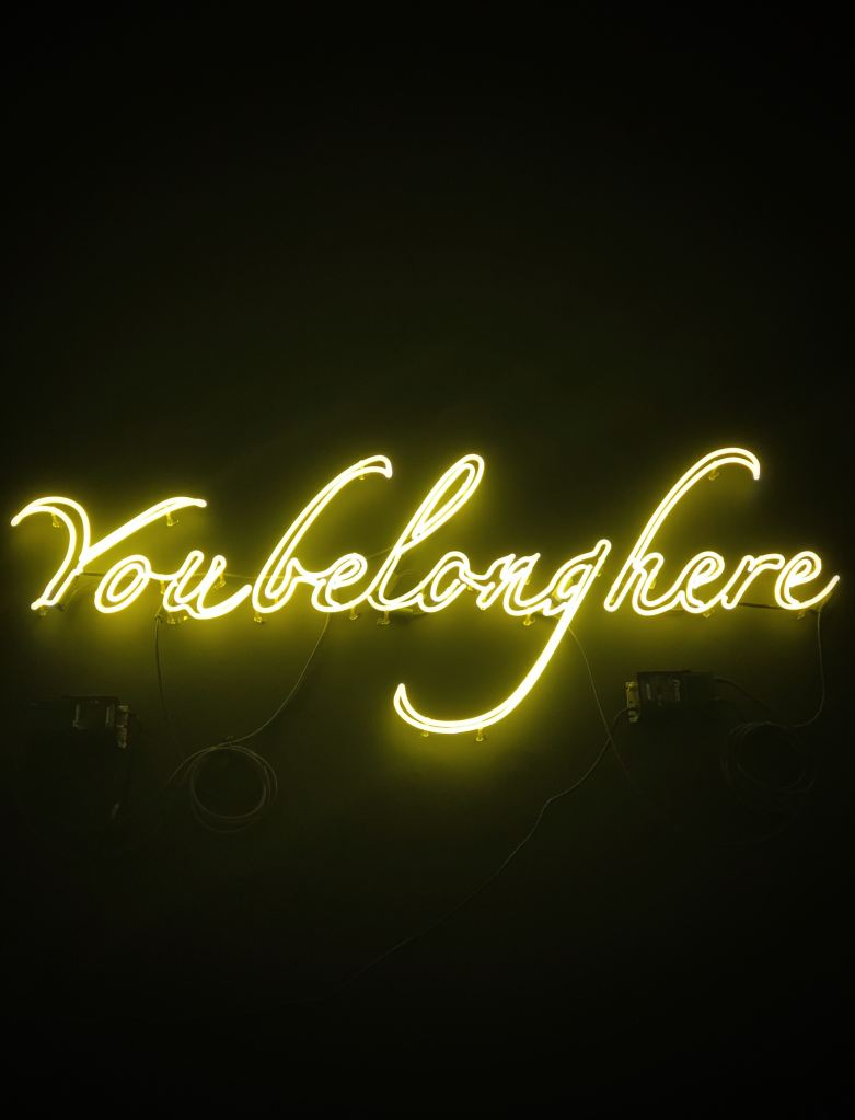 yellow Voubelonghere LED lights